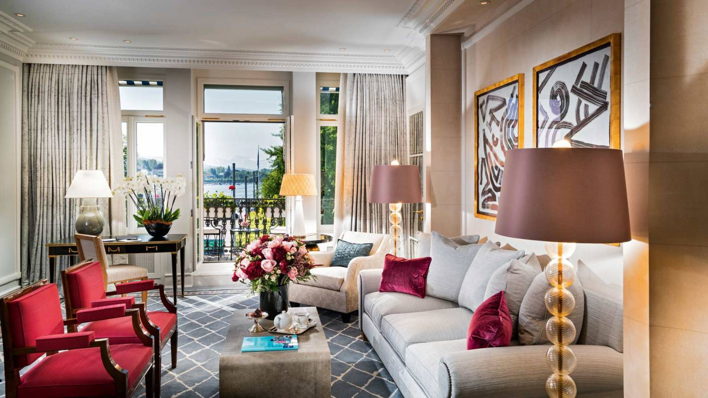 Baur au Lac Deluxe Junior Suite facing the lake living room